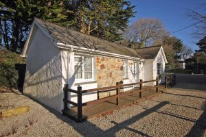 Trebellan Lodge2 300x200 - Trebellan Lodge2